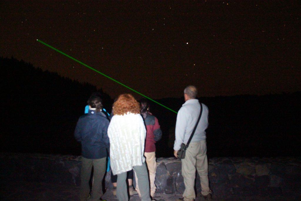 Teide estrellas: un grupo disfruta del avistamiento.